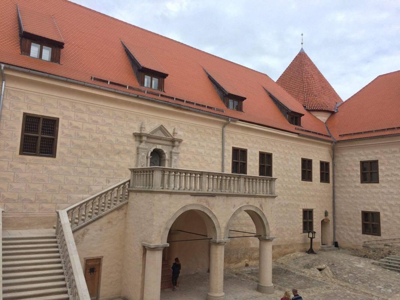 private tour from riga to vilnius bauska castle